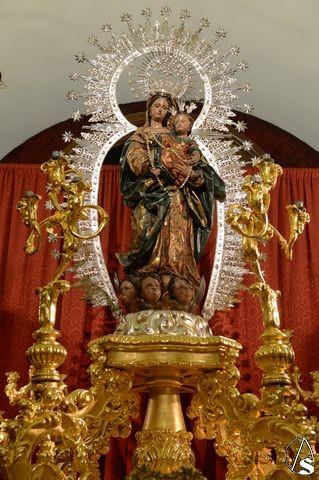 Resultado de imagen de Vídeos de Rosario De Dos De Mayo Sevilla